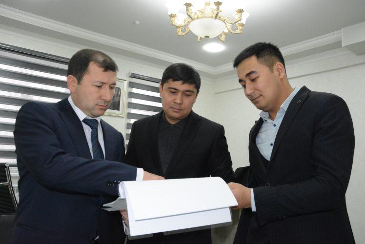 (Uzbek) Кадастр ходимлари  янги бинода иш бошлади